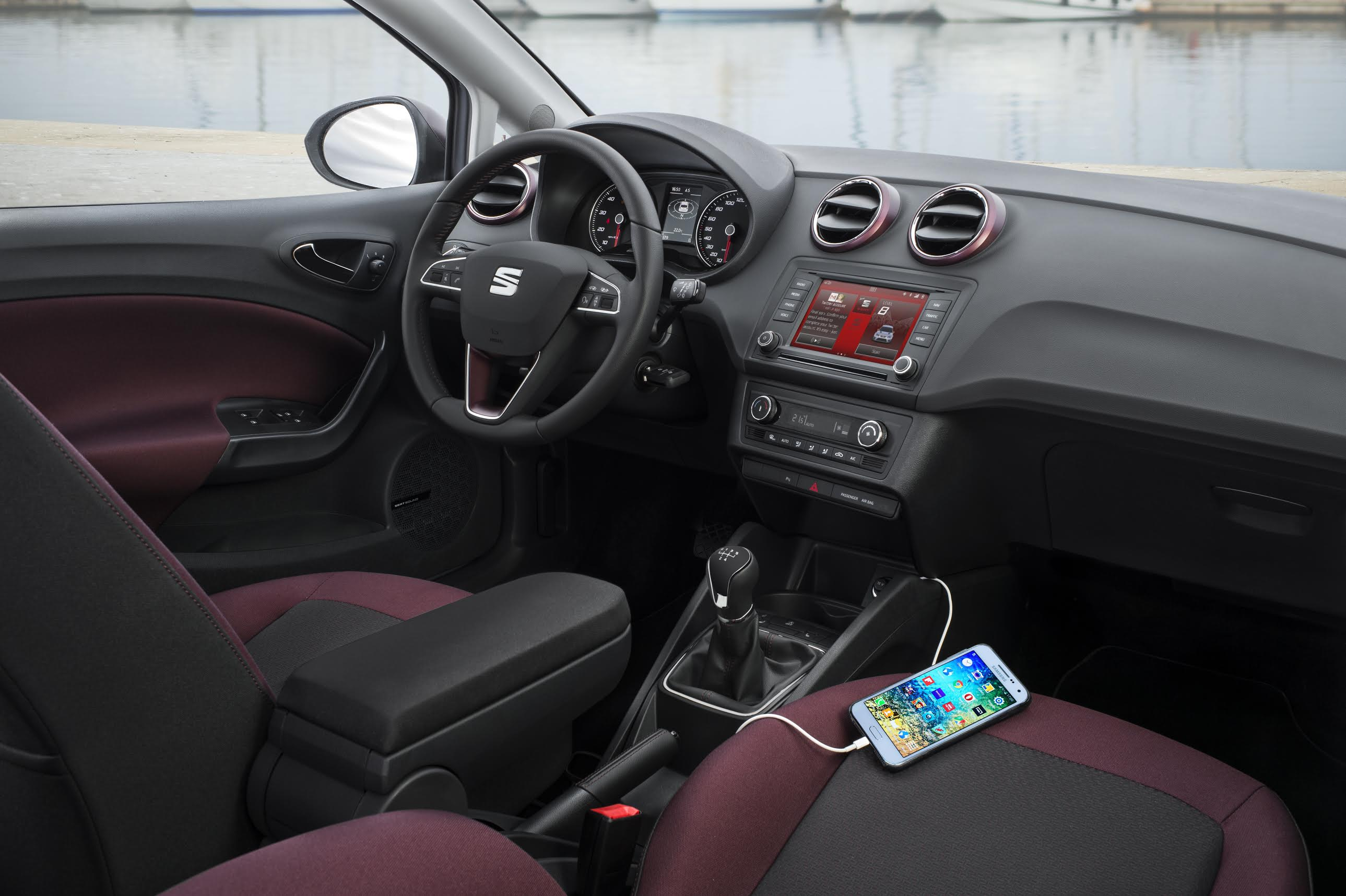 Seat chartres for Interieur seat ibiza